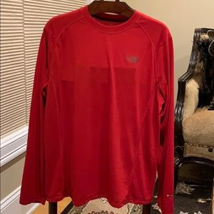 The North Face NWT LONG SLEEVE T-Shirt